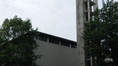 Peperdure restauratie of afbreken? Dringend actie nodig voor kerktoren Oostveld