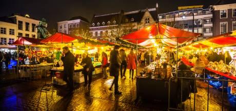 Gesteggel over leeg Scheffersplein tijdens Dordtse Kerstmarkt