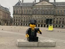 Erps bedrijf plaatst Lego-versie van André Hazes midden op de Dam: 'Tram stopte voor foto's'