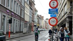 Gentse fietsers blind voor verbodsborden: 75 boetes uitgedeeld