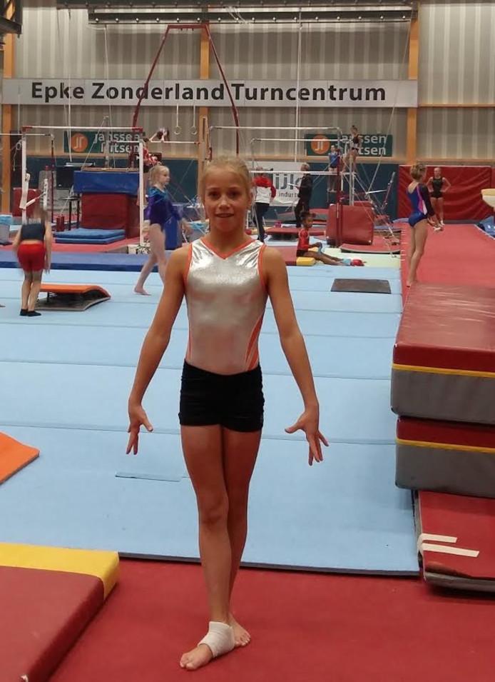 Lina Lenselink van turnvereniging SVOD heeft zich gekwalificeerd voor de Oranje Jong Talent Selectie van de KNGU.