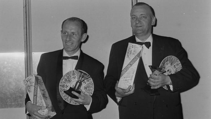 Hans Kreijns (r) na het behalen van de Wereldtitel in 1966.
