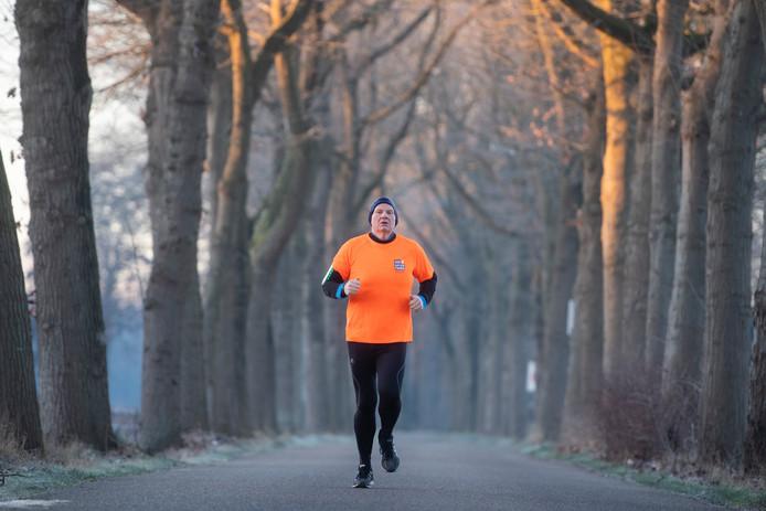 Oisterwijk  Beukendreef  Ruud Marcelissen traint voor de halve marathon om geld in te zamelen
