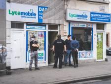 Federale politie valt verlaten dagwinkel binnen op Bevrijdingslaan