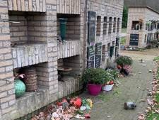 Man (66) op heterdaad betrapt bij vernielingen op begraafplaats in Oldenzaal