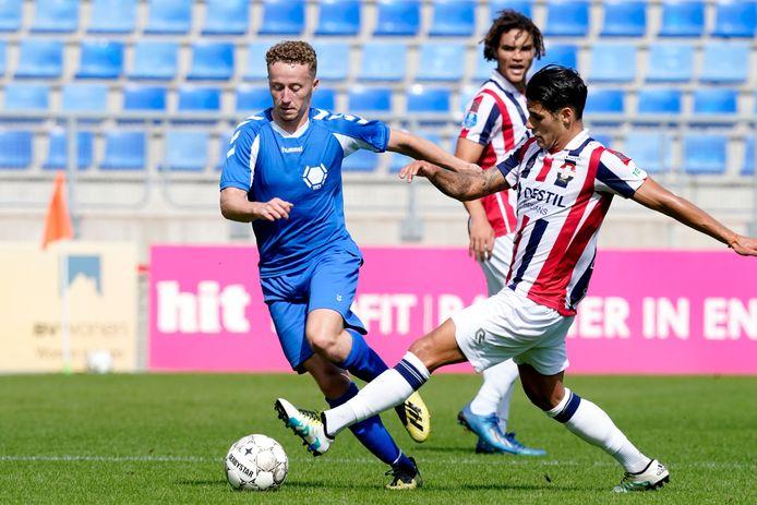 Lars ten Teije (links) namens Team VVCS in actie, waar hij sinds deze zomer zijn wedstrijden voor speelde.