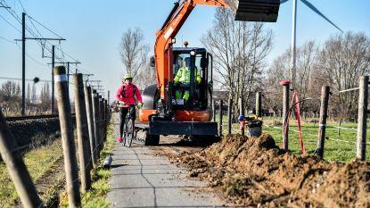 Fietspad langs spoorweg tussen Zele en Lokeren krijgt eindelijk verlichting