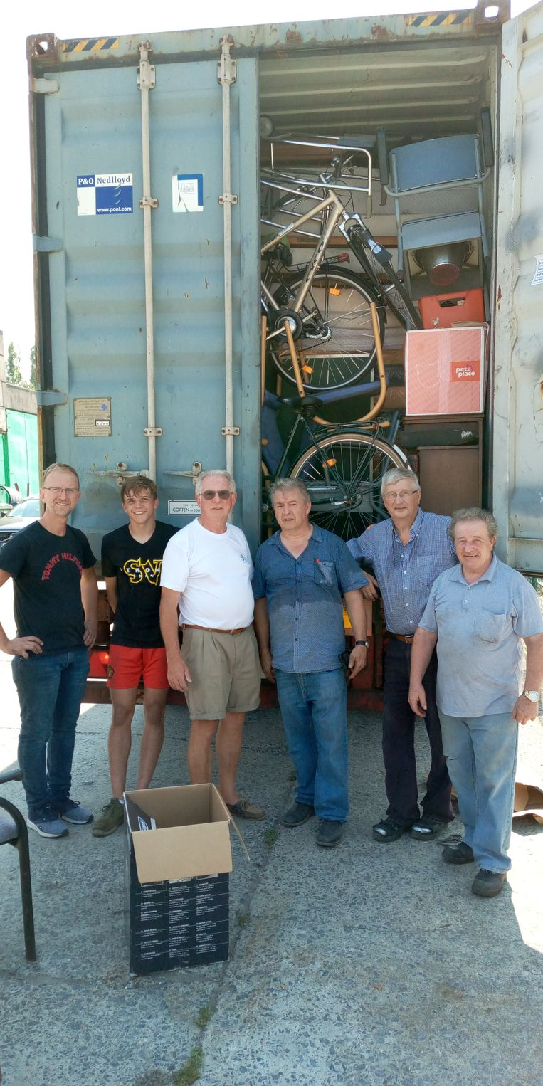 Living For Others en Anata versturen hun derde container met hulpgoederen naar Mozambique, Malawi en Zimbabwe.