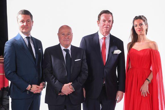Luciano D'Onofrio, sportief directeur van Antwerp, met het gezin Gheysens: voorzitter Paul me zoon Michael en dochter Marie-Julie.