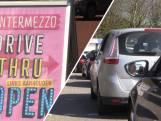 Drive-thru-ijssalon Intermezzo groot succes: 'Staan al een uur in de rij'