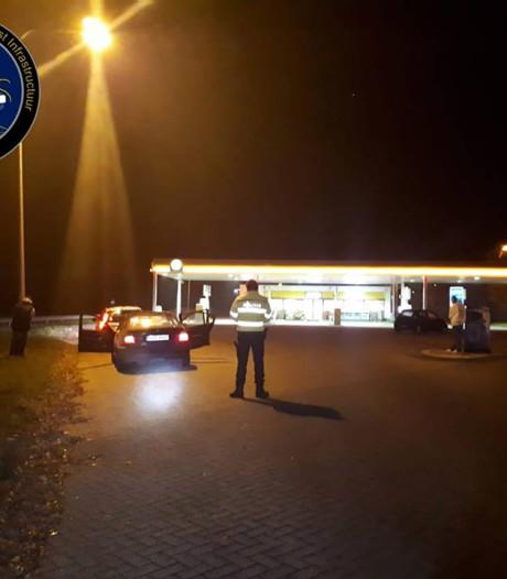 Politie vindt wapens in Poolse wagen bij Bant