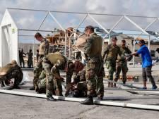 Nederlandse soldaten brengen water, rijst en shampoo naar zwaar getroffen eiland op Bahama's