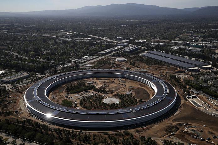 Het nieuwe hoofdkantoor van Apple in Cupertino, Californië. Het op het eerste gezicht ondoordringbare Apple Park biedt plaats aan 13.000 werknemers.