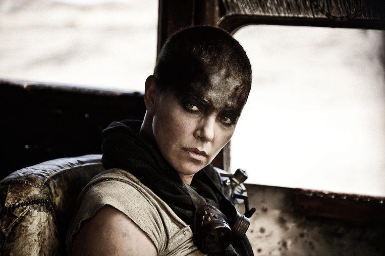 Charlize Theron heeft het er moeilijk mee dat haar iconische rol in Mad Max: Fury Road door iemand anders zal worden gespeeld in een prequel.