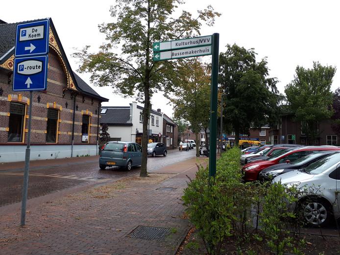De bewegwijzering naar het Bussemakerhuis is verbeterd en begint al bij het NS-station.