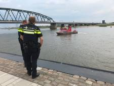 Dreggen in Waal bij Nijmegen gestaakt, drenkeling niet aangetroffen