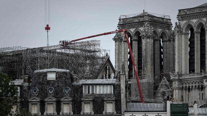 Risicovolle fase: verwijderen van verwoeste steigers bij Notre-Dame van start