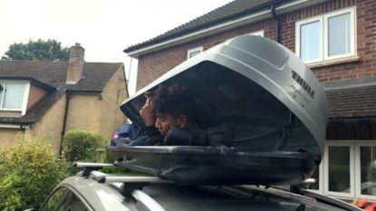 Migrant verstopt zich in dakkoffer en rijdt meer dan 260 kilometer mee met Brits koppel