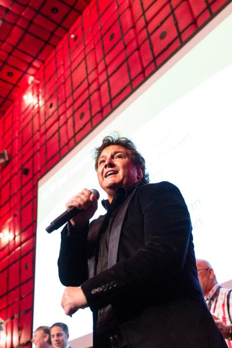 René Froger breekt optreden af in Almelo: 'Maak het goed met jullie'