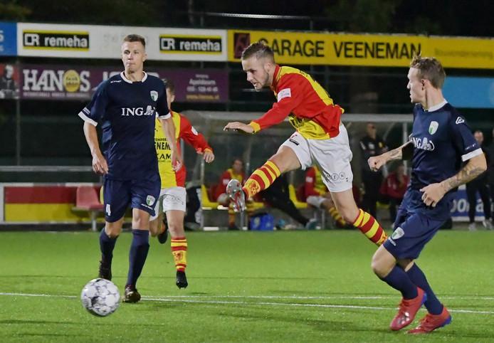 Joey Bosz heeft zijn contract bij CSV Apeldoorn met één jaar verlengd.
