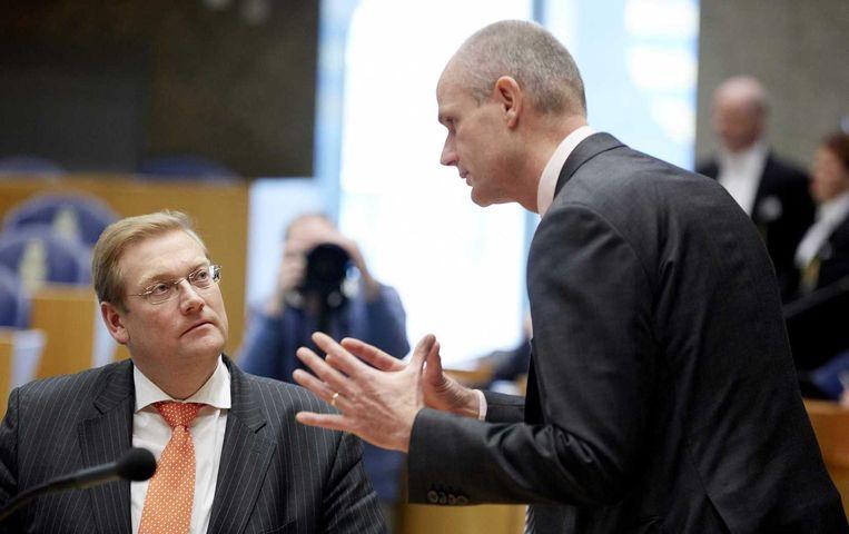 Van der Steur in overleg in de Tweede Kamer met minister Blok van Wonen. Beeld anp
