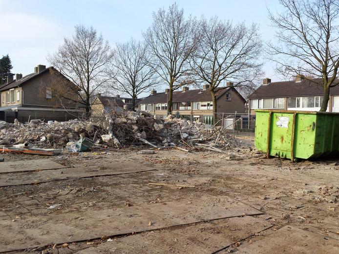 Op het terrein van de voormalige basisschool Hasselbraam aan de Namenstraat komen acht nieuwe woningen.