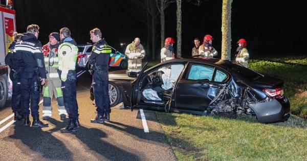 Geluk bij ongeluk: automobilist breekt kaak bij crash, 'slimme' BMW belt zelf de politie.