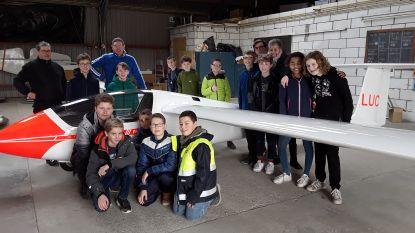 Studenten bezoeken Axelse zweefvliegclub