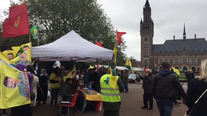 De Koerdische demonstratie bij het Vredespaleis in Den Haag verliep afgelopen zaterdag wél vreedzaam.