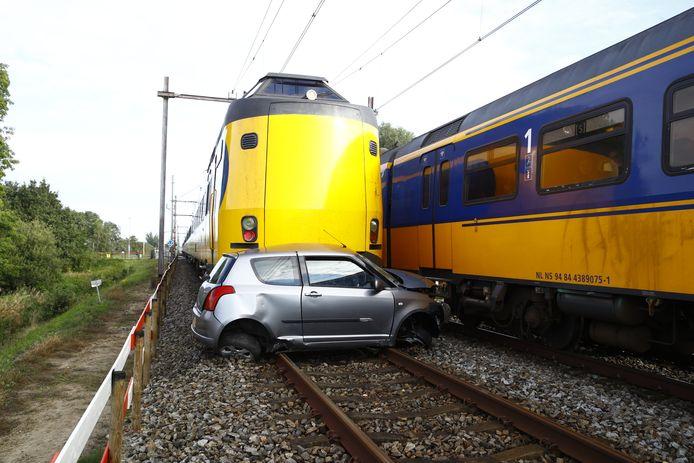Ongeluk trein spoorwegovergang Leeuwarden - Zwolle