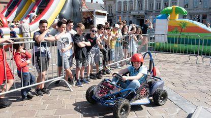 Dolle pret op Grote Markt met 'Fun, jump and bounce'