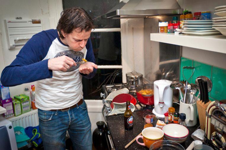 Joost kookt Oegandees, maar dan een meer luxe versie met mals vlees. Foto © Marc Driessen Beeld