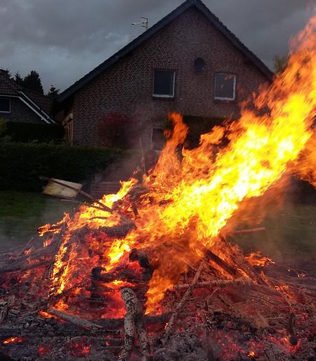 In Wyler brandt het paasvuur zonder grenzen