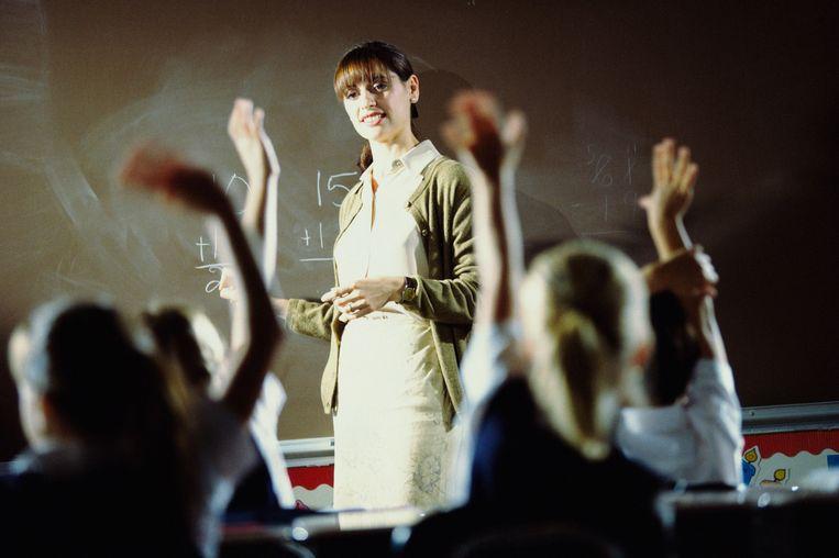Stockfoto. De afgebeelde vrouw is niet de lerares om wie het gaat. Een Amerikaanse lerares is tijdelijk geschorst nadat ze haar klas onderworpen heeft aan een dubieuze 'moraliteitstest'. De leerlingen werden onder anderen bevraagd over incest en het doden van jonge hondjes.