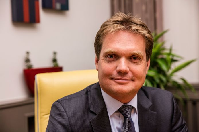 Michiel van Veen is sinds december 2016 de burgemeester van de gemeente Gemert-Bakel.