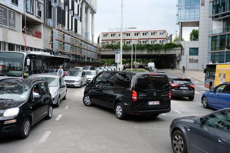 Verkeerchaos in de Europese wijk.