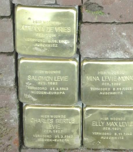 Poetsbeurt voor stenen van vermoorde Joden