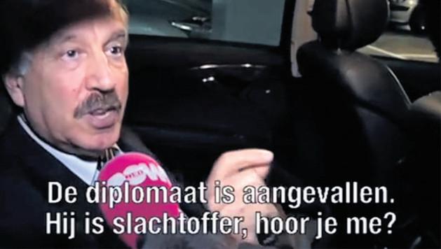 De Afghaanse ambassadeur verdedigt A.S.