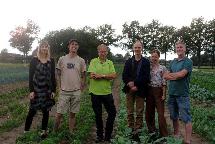 De bioboeren uit Borne, Deurningen, Denekamp en Enschede gaan belangstellenden wekelijks voorzien van biologische groentenpakketten