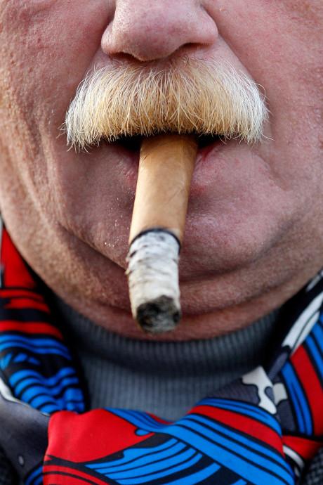 Brandweer rukt uit voor smeulende sigaar