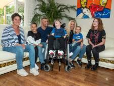 Verzorger start inzamelingsactie gehandicapte Gitano (6): 'Rolstoelfiets zou geweldig zijn voor hem'