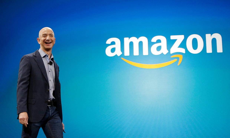 Jeff Bezos heeft een vermogen van bijna 130 miljard euro.