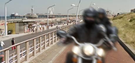 Scheveningers in actie tegen luid ronkende motoren: 'Sinds de corona lijkt de weg hier wel een race-circuit'