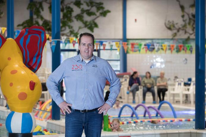Manager Alwin Heij in zijn zwembad de Bongerd: ,,Zwemmen is zo belangrijk. En leuk natuurlijk.''