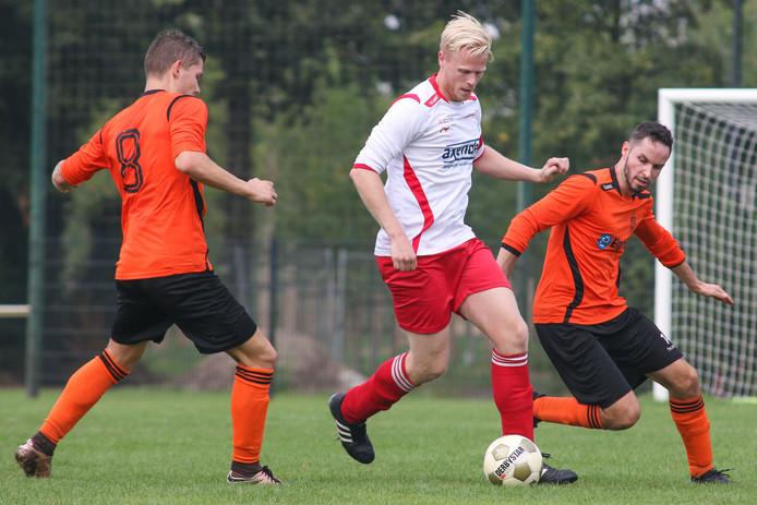 Vianen Vooruit wint met 4-2 van Vitesse'08. Foto David van Haren