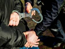 Drie arrestaties na onrustige nacht in centrum van Almelo