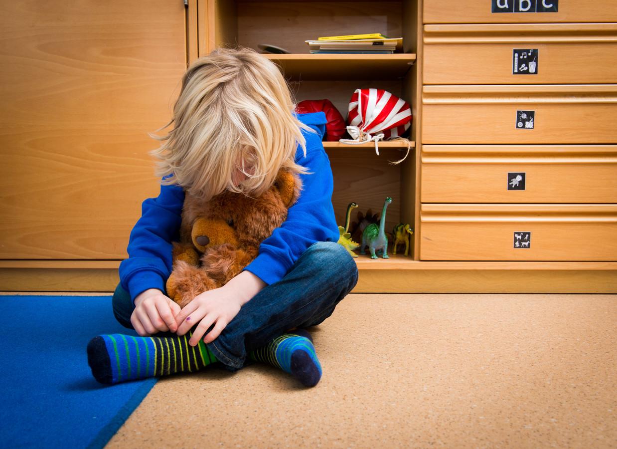 Hans Spekman maakt zich serieus zorgen over kinderen die thuis in een onveilige situatie zitten. Die lopen het risico op flinke onderwijsachterstanden door de coronacrisis.