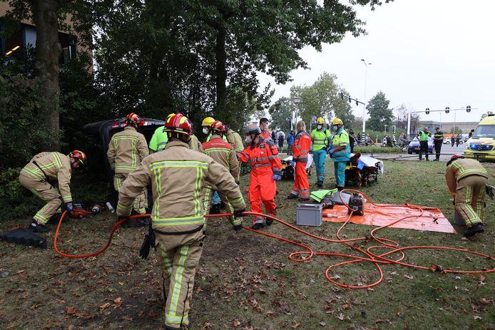 Hulpdiensten ter plekke bij de Beemdstraat in Eindhoven.