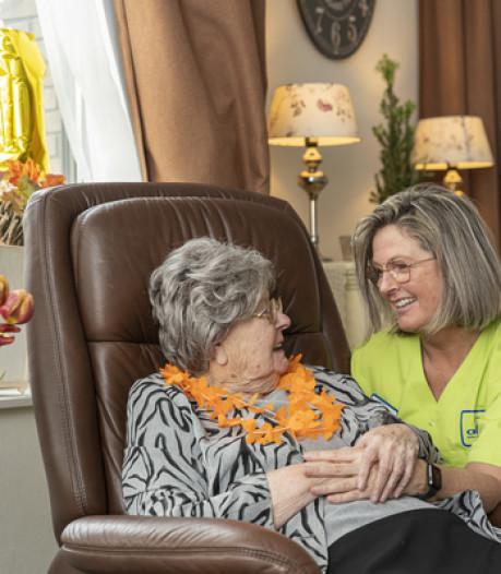 Mevrouw Noordhoek is 100 geworden: 'Het is goed hè, m'n lieven'