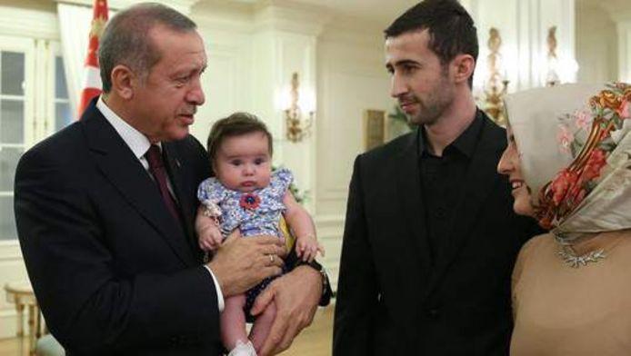 President Erdogan roept zijn landgenoten in Europa op om meer kinderen te maken.